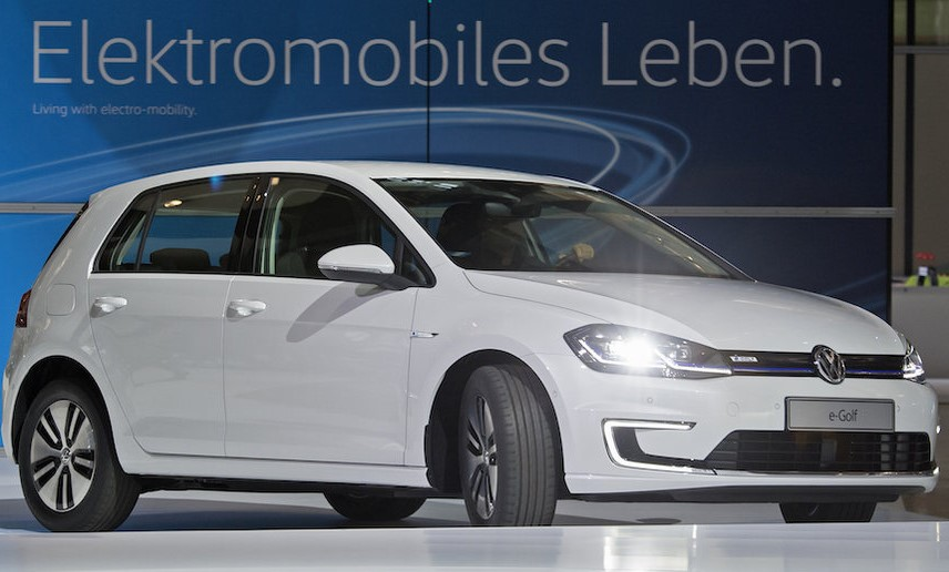 2019 VOLKSWAGEN E GOLF 124 MILE RANGE REDESIGN 2019 VOLKSWAGEN E GOLF 124 MILE RANGE RELEASE DATE, SPY SHOTS, REDESIGN, & PRICE