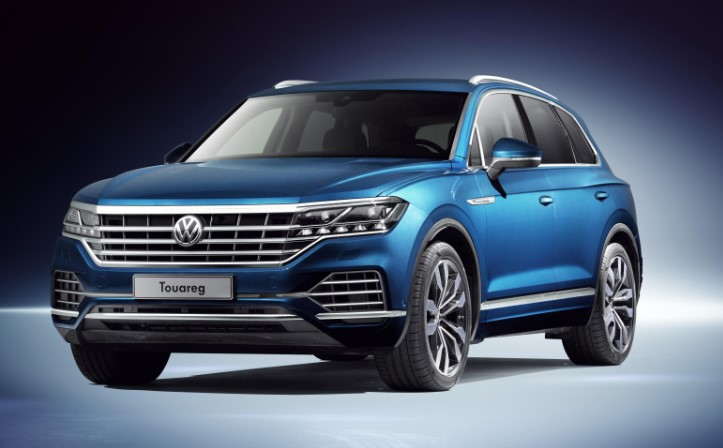 Volkswagen Touareg PHEV 2020 Volkswagen Touareg PHEV 367 HP 2 Liter Turbo System Review, Specs, & Performance