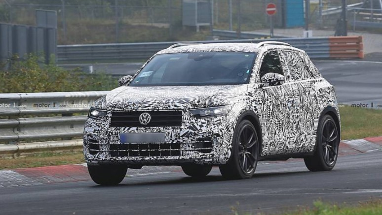 VW T-Roc R In Full Attack At The Nurburgring
