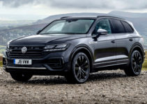 2021 Volkswagen Touareg Wolfsburg price and specs: Limited ...