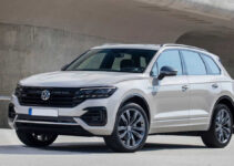 2021 Volkswagen Touareg First Look Plug in Hybrid Specs
